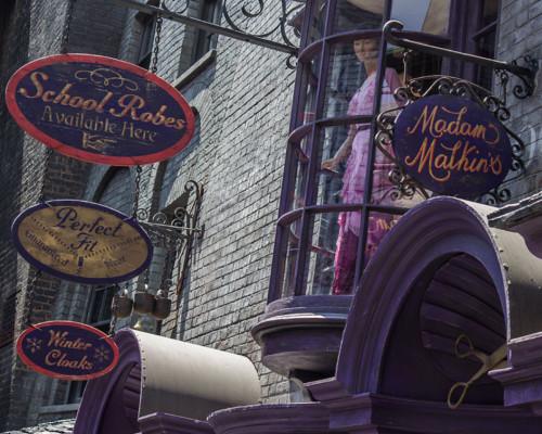 Madam Malkin S Robes Witchcraft And Wizardry
